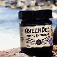 Queen Bee Productions Maui logo