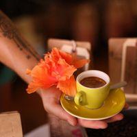 Cafe Cafe Maui logo