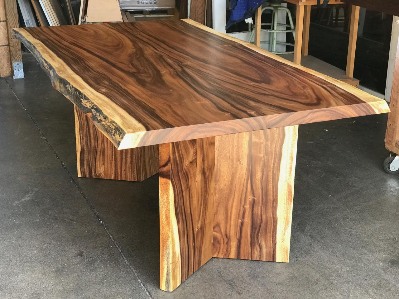 Honolulu Furniture Company custom furniture maker logo